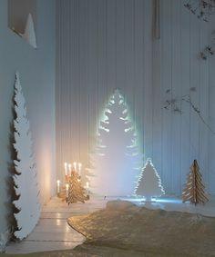 Árbol de Navidad nórdico de cartón o cartón pluma