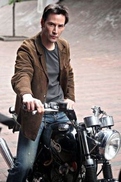 Photo of Keanu for fans of Keanu Reeves 10210623 Keanu Reeves John Wick, Keanu Charles Reeves, Outfits Casual, Mode Outfits, Keanu Reeves Pictures, Little Buddha, Steve Mcqueen, Super Bikes, Poses