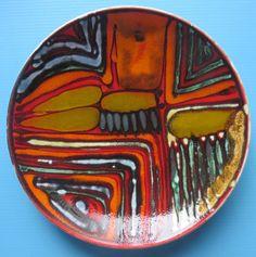 8-Poole-Delphis-1960s-plate-shape-3