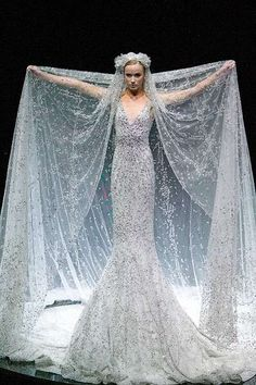 Alexander McQueen Bridal Water Dress | Alexander McQueen Wedding Dress,Alexander McQueen Wedding Gown >>> LOOK AT THAT VEIL!!!!