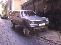 Peugeot 504 Dangel 4x4 .... never saw one of these anywhere.....