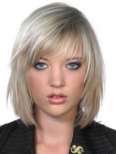 Take the plunge into your next makeover and choose one of these lovely medium haircut trends. Perfectly polished and texturized midis create the desired impact on your look and are perfect to showcase your hair styling talent. Medium Hair Cuts, Short Hair Cuts, Medium Hair Styles, Haircut Styles For Women, Short Haircut Styles, Corte Bob, Haircuts For Fine Hair, Bob Haircuts, Hair Styles 2014