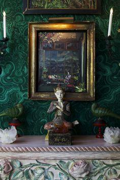 wall paper/paint....Paddle8 Editorial: Inside Tony Duquette's Dawnridge Estate