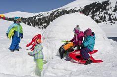 Bob fahren und Iglu bauen - Sporthotel Frühauf, Österreich - Kärnten Mount Everest, Bob, Mountains, Nature, Travel, Winter Vacations, Naturaleza, Bucket Hat, Viajes