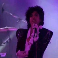 The Beautiful Ones Prince Gifs, Prince Images, Photos Of Prince, Prince Meme, Alien Aesthetic, Aesthetic Videos, Purple Rain Video, Prince Purple Rain Movie, Shawn Mendes Music