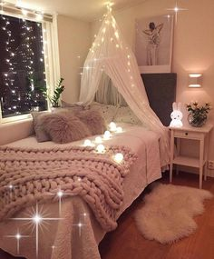 Surely sweet Teen Girl Bedrooms for exciting bedroom makeover, info 9880845701 Twin Girl Bedrooms, Sister Bedroom, Tiny Girls Bedroom, Small Bedroom Ideas For Girls, Twin Bedroom Ideas, Teen Bedroom Inspiration, Neutral Bedroom Decor, Daybed Room, Girl Bedroom Designs