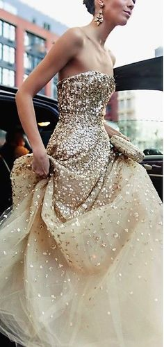 33 Gorgeous Sparkling, Glittering Wedding Gowns! #GlitterSparkle