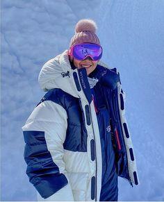 Moncler, Rain Jacket, Windbreaker, Winter Jackets, Fashion, Winter Coats, Moda, Winter Vest Outfits, Fashion Styles