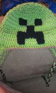 Minecraft Creeper crochet hat