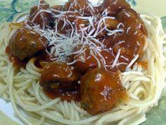 Spaghete cu chiftele, poza 1 Pasta, Ethnic Recipes, Food, Essen, Meals, Yemek, Eten, Pasta Recipes, Pasta Dishes