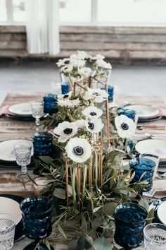 City Gardening Modern Jewel-Toned Wedding Inspiration via Rocky Mountain Bride. Florals by Garden City Floral in Missoula, Montana. - Jewel tones done right in this beautifully styled wedding! Wedding Themes, Wedding Colors, Wedding Flowers, Wedding Songs, Blue Wedding Centerpieces, Royal Blue Wedding Decorations, Jewel Tone Wedding, January Wedding, Montana Wedding