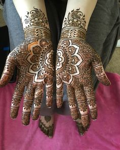 Bridal henna by Razeena