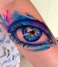 Mein Unterarm wird nun von einem wunderschönen Auge in 3D und Wasserfarben (aquarell) Optik geziert....