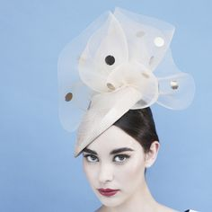 Dellphine crin toque by Gina Foster. #millinery #judithm #hats