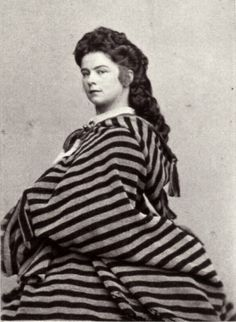 Empress Elisabeth (Sisi) of Austria – The History Buff Old Pictures, Old Photos, Vintage Photos, Adele, Victorian Era, Victorian Costume, Die Habsburger, Elisabeth 1, Empress Sissi