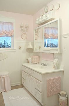 ~Sweet Melanie~: A Window Make Over Shabby Chic Dining Room, Chic Living Room, Shabby Chic Bedrooms, Shabby Chic Kitchen, Shabby Chic Homes, Shabby Chic Furniture, Shabby Chic Decor, Bedroom Furniture, Shabby Style