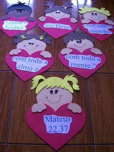 ROSTINHO DE MENINO OU MENINA NO CORAÇÃO DE EVA PARA VÁRIOS RECURSOS DE AULAS BIBLICAS... SUGESTÃO: MEMORIZAÇÃO DE VERSÍCULO, HINOS, BRINCADEIRAS ETC.  VALOR UNITÁRIO MEDIDAS: ALTURA 40 CM LARGURA: 30 CM R$ 10,00 Kids Crafts, Bible Crafts, Foam Crafts, Addition Activities, Bible Study For Kids, Class Decoration, Sunday School Crafts, Kids Church, Working With Children