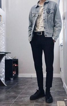 45 Fascinating Vintage Outfits For Men Trend iDeas ? Fashion Mode, Aesthetic Fashion, Aesthetic Clothes, Trendy Fashion, Womens Fashion, Fitness Aesthetic, Mens Grunge Fashion, Aesthetic Women, Aesthetic Outfit