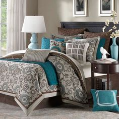 Hampton Hill Bennett Place Comforter Set