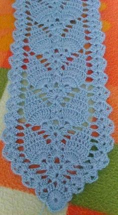 Discover thousands of images about crochet bolero ,pineapple stitch, free pattern , Crochet Leaf Patterns, Crochet Table Runner Pattern, Crochet Leaves, Crochet Borders, Crochet Tablecloth, Crochet Squares, Filet Crochet, Crochet Motif, Crochet Doilies