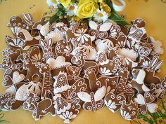Velikonoční perníčky 20 kusů Easter Cookies, Gingerbread, Baking, Bread Making, Patisserie, Backen, Bread, Sweets, Reposteria