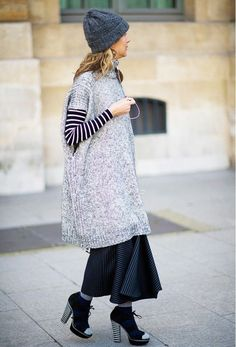 Totally Chic Ways to Wear a Maxi Skirt This Fall - Street Style