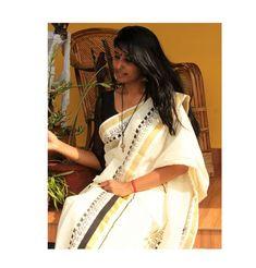 Hand Painted Warli Art Work On Traditional Kerala Set Mundu Kerala Saree, Indian Sarees, Set Mundu Kerala, Kerala Traditional Saree, Saree Painting Designs, Hand Painting Art, Mural Painting, Fabric Painting, Draping Techniques