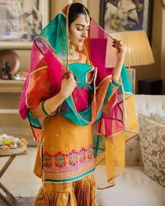 Pakistani Fashion Party Wear, Pakistani Wedding Outfits, Indian Bridal Outfits, Pakistani Bridal Dresses, Indian Fashion Dresses, Indian Designer Outfits, Pakistani Suits, Punjabi Suits, Beautiful Bridal Dresses