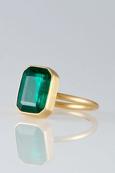 gabriella kiss, emerald ring. pure perfection