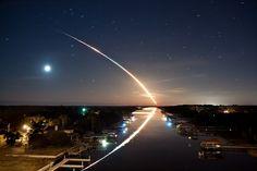 Rastro del despegue del Endeavour en Florida, Estados Unidos, tomada por James Vernacotola      Ver mas fotos de Australia en fotosmundo.net