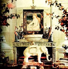 Agnelli Salon, Horst, Vogue 1969 Gianni Agnelli, Palm Beach Regency, Old Money, Pink Room, People Art, Renoir, Italian Style, Elephant, Vogue