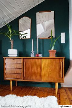 59 Eclectic Decor Room To Inspire Today - Futuristic Interior Designs Technology - Room Adorable Eclectic Decor Room - Green Rooms, Bedroom Green, Green Walls, Interior Exterior, Home Interior, Living Room Decor, Bedroom Decor, Decor Room, Retro Bedrooms