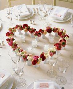 Centro tavola# cuore di fiori# composizione