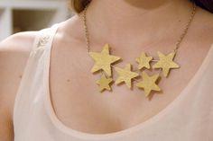 DIY STAR : DIY Wooden Star Constellation Bib Necklace