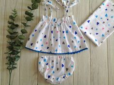 Minute Baby Dress from a Rectangle - Sew Crafty Me Sewing Baby Clothes, Baby Clothes Patterns, Dress Sewing Patterns, Frock Patterns, Sewing Coat, Coat Patterns, Blouse Patterns, Baby Bloomers Pattern, Crochet Baby Dress Pattern
