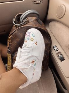 See more of happinessinpixels's content on VSCO. Sneakers Mode, Cute Sneakers, Sneakers Fashion, Fashion Shoes, Jordan Shoes Girls, Girls Shoes, Basket Style, Nike Shoes Air Force, Aesthetic Shoes
