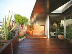 ガーデン施工事例 / アウトドアリビング、ウッドデッキ、ガラスブロック、リゾートガーデン、ギリシャ鉢、ザシーズン世田谷、松田真輔、