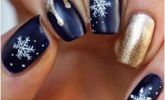 Christmas Nail - 55 Joyful Christmas Nails Ideas Source by katieintn Holiday Nails, Christmas Nails, Winter Christmas, Gold Nails, Glitter Nails, Candy Cane Nails, Happy New Year Wallpaper, Nails Short, Snowflake Nails