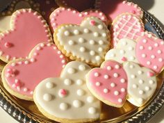 heart cookies and perfect pink and white icing @classiclegacy