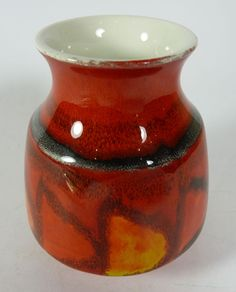 Vintage 1960s Poole Pottery Delphis Vase - Shape 31. Find this item and more in our ebay shop: www.shopatstfrancis.co.uk