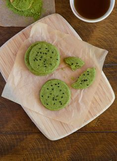 Green Tea Shortbread Cookies -■1 cup (2 sticks) butter, softened   ■2 cups all-purpose flour   ■1/2 cup confectioner's sugar   ■1/2 cup granulated sugar   ■1 vanilla bean or 1 teaspoon vanilla extract   ■3 tablespoons matcha powder   ■1/2 teaspoon salt   ■1 teaspoon black sesame seeds