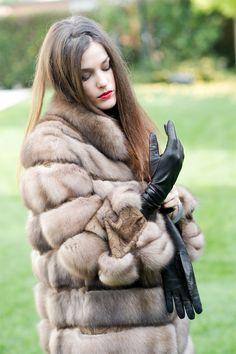 opera Leather gloves mistress