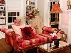 pretty lounge chair...