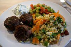 Arabian meatball with fresh herbs and a delicious bulgur salad // Arabiske frikadeller med friske krydderurter og en lækker bulgursalat