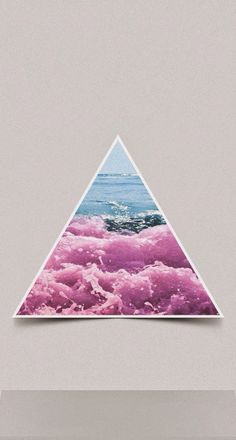 A beach in a triangle. Beautiful Wallpapers For Iphone, Most Beautiful Wallpaper, Cute Wallpapers, Kawaii Background, Background S, Cute Backgrounds, Wallpaper Backgrounds, Iphone Backgrounds, Iphone 5 Wallpaper