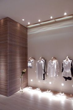 http://www.designhouseideas.com/in-miami-contemporary-clothes-store-100-capri-by-giachi.html