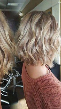 40 best messy short hairstyles ideas for 2019 37 - Hair Styles 2019 Short Hair Styles For Round Faces, Hairstyles For Round Faces, Medium Hair Styles, Curly Hair Styles, Quick Hairstyles, Blonde Short Hairstyles, Wedding Hairstyles, Short To Medium Hairstyles, Short Hair Round Face Plus Size