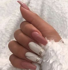 Marble coffin nail designs have become more and more popular in recent years, and the trend has not abated at all. Marble nails are a kind of nail art design which imitates the appearance of marble. Everyone can create this nail art design on their o Best Acrylic Nails, Acrylic Nail Designs, Nail Art Designs, Nails Design, Marble Nail Designs, Winter Acrylic Nails, Glitter Nail Designs, Coffin Nail Designs, Coffin Acrylic Nails