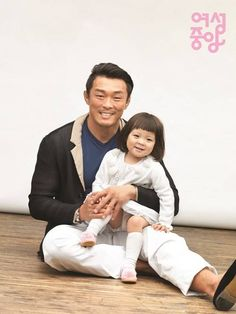 Choo Sarang to Fly In to Korea to Support Choo Sung Hoon's Upcoming UFC Match Superman Cast, Superman Kids, Song Triplets, Fashionista Kids, Korean Drama Movies, Korean Dramas, Korean Shows, Korean People, Drama Korea