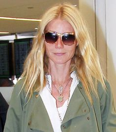 Gwyneth Paltrow, Wearing: Elizabeth and James Fairfax Sunglasses in Shiny Brown Mother of Pearl Celebrity Sunglasses, Trending Sunglasses, Sunglasses Women, Celebrities With Glasses, Wearing Glasses, Gwyneth Paltrow, Gwen Stefani, Elizabeth And James, Kate Moss